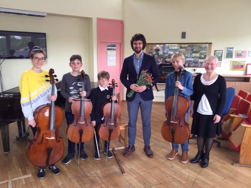 Violončelės klasių mokinių pamoka-susitikimas su violončelistu Aleksandru Ramm
